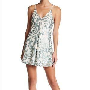 Romeo + Juliet couture sleeveless sequin romper